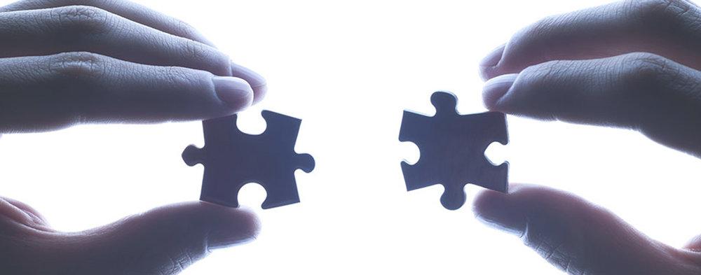 CBT może pomóc Ci zrozumieć przytłaczające problemy, dzieląc je na mniejsze części.