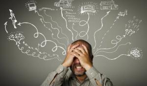 Gonitwa myśli: jak radzić sobie z natłokiem myśli